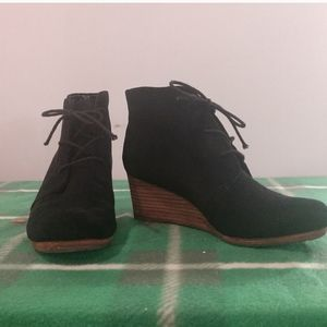 Dr Scholl's True Comfort black wedge bootie